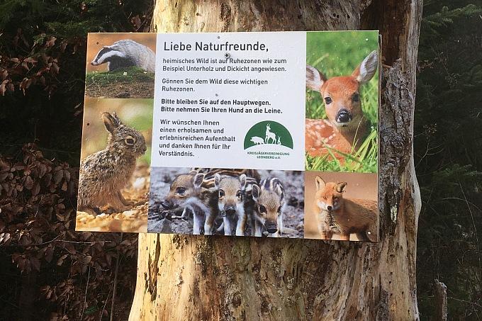 AK VI Wildtierkorridoruntersuchung - Hinweisschild- Foto: NAJU BW