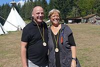 Sabine Wölfle und Daniel Born auf Besuch auf der Indianerfreizeit der NAJU Baden-Württemberg - Foto: NAJU BW / B. Sittig